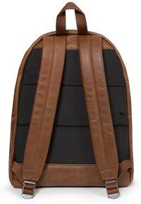 Eastpak - PADDED PAK'R/LEATHER - Rucksack - brownie leather - 2