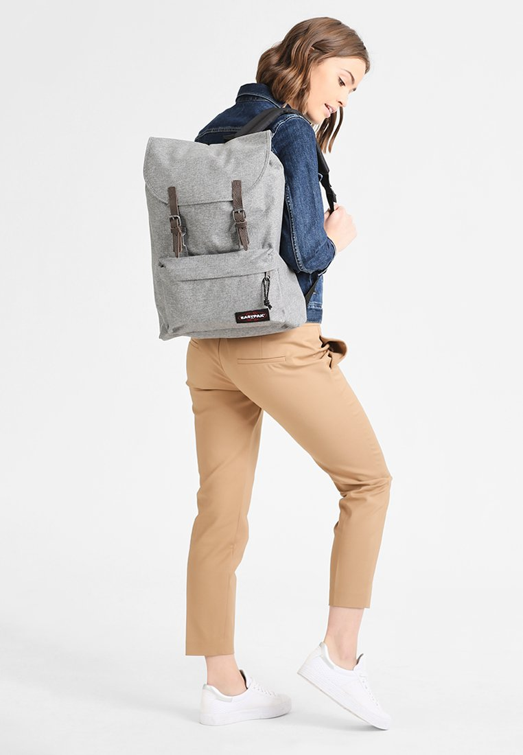 Eastpak - LONDON/CORE COLORS  - Ryggsäck - sunday grey