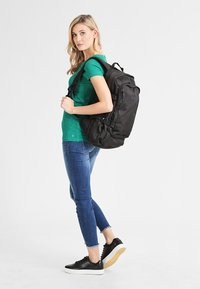 Eastpak - EVANZ/CORE SERIES - Mochila - black - 1