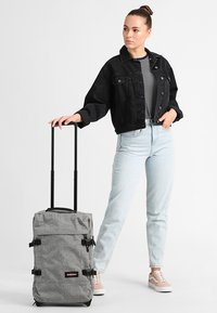Eastpak - TRANVERZ CORE COLORS  - Wheeled suitcase - sunday grey - 1