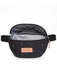 Eastpak - SPRINGER  - Bum bag - black - 4
