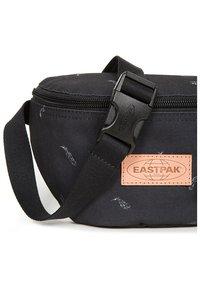 Eastpak - SPRINGER  - Bum bag - black - 5