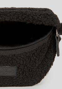 Eastpak - SHEARLING/UTHENTIC - Bum bag - shear black - 2