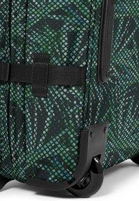 Eastpak - MESH FLOW/AUTHENTIC - Valise à roulettes - dark green - 3