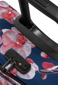 Eastpak - CHARMING GARDEN - Valise à roulettes - charming pink - 6