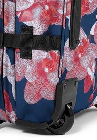 Eastpak - CHARMING GARDEN - Valise à roulettes - charming pink - 5