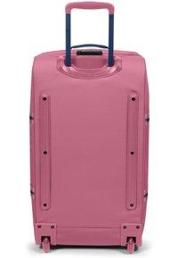 Eastpak - SALTY - Valise à roulettes - pink - 1