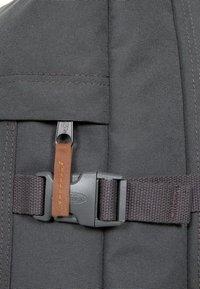 Eastpak - Valise à roulettes - gray - 5