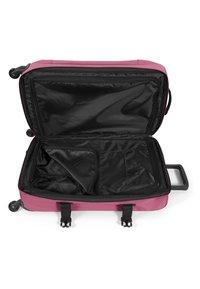 Eastpak - DECEMBER SEASONALS - Valise à roulettes - salty pink - 3