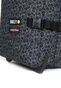 Eastpak - IBTWO X  - Wheeled suitcase - black - 5