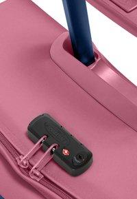 Eastpak - AUTHENTIC - Valise à roulettes - pink - 6
