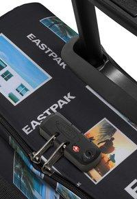 Eastpak - CITY PIX - Valise à roulettes - multi-coloured - 3