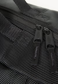 Eastpak - CNNCT  - Holdall - black - 3