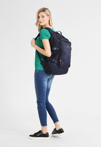 Eastpak - EVANZ CORE SERIES  - Rucksack - mono night - 0