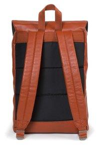 Eastpak - CIERA - Tagesrucksack - cognac leather - 1
