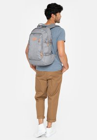 Eastpak - EVANZ CORE SERIES  - Rygsække - light grey - 1