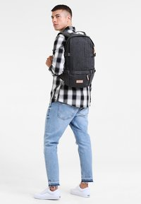 Eastpak - FLOID CORE SERIES  - Rygsække - black denim - 0