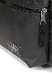 Eastpak - PADDED PAK'R TOPPED - Tagesrucksack - black - 3