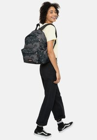 Eastpak - DARK FOREST/AUTHENTIC - Rugzak - black - 1