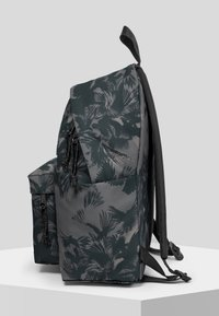 Eastpak - DARK FOREST/AUTHENTIC - Rugzak - black - 4