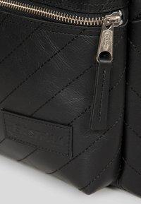 Eastpak - PAK'R  - Sac à dos - black - 4