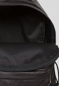 Eastpak - ORBIT SATINFACTION  - Plecak - black - 6