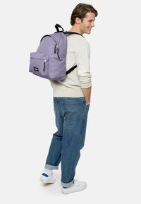 Eastpak - Sac à dos - later lilac - 1