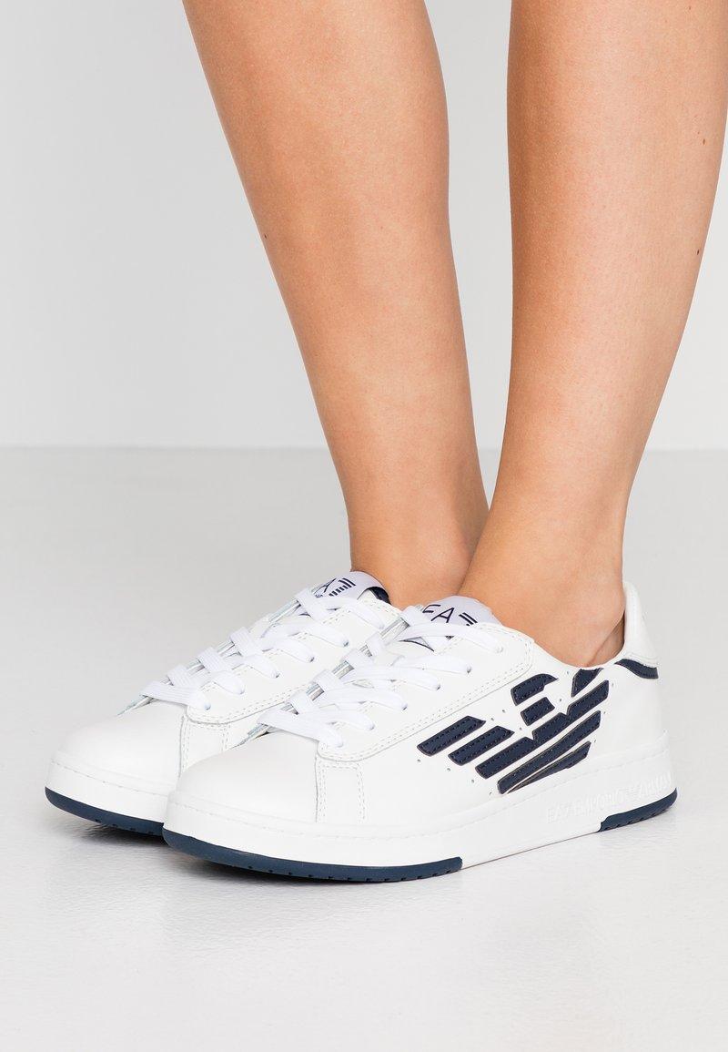 EA7 Emporio Armani - MILLENIUM - Sneakers laag - white