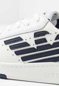 EA7 Emporio Armani - MILLENIUM - Sneakers laag - white - 2