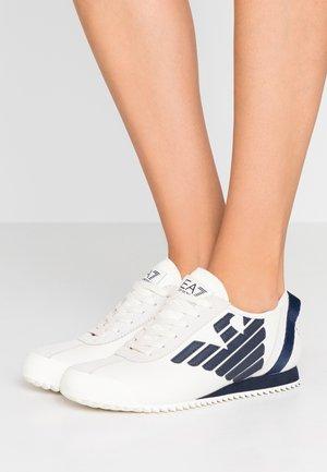 GOKU - Trainers - white