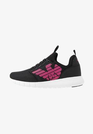 NEON - Baskets basses - black / neon pink