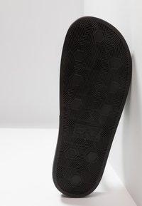 EA7 Emporio Armani - Pantofle - black - 4