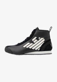 EA7 Emporio Armani - Höga sneakers - black - 0