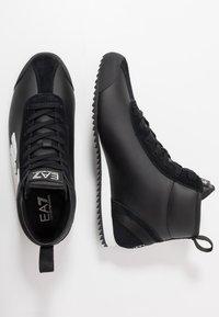 EA7 Emporio Armani - Höga sneakers - black - 1