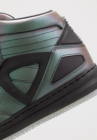 EA7 Emporio Armani - Höga sneakers - iridescent - 5