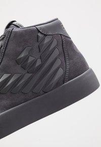 EA7 Emporio Armani - Sneakers hoog - asphalt - 5