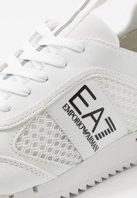 EA7 Emporio Armani - Matalavartiset tennarit - white - 5