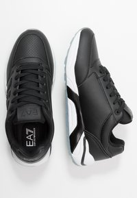 EA7 Emporio Armani - Sneakers - black solid - 1