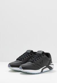 EA7 Emporio Armani - Sneakers - black solid - 2