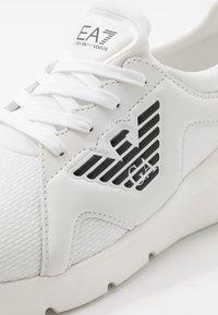 EA7 Emporio Armani - Sneakersy niskie - white - 5