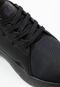 EA7 Emporio Armani - Baskets basses - black - 5