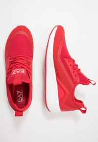EA7 Emporio Armani - Sneakersy niskie - red - 1