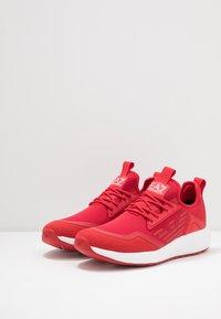 EA7 Emporio Armani - Sneakersy niskie - red - 2