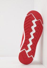 EA7 Emporio Armani - Sneakersy niskie - red - 4