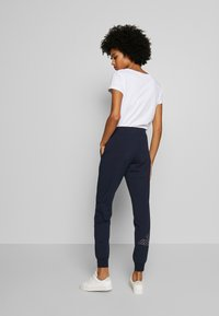 EA7 Emporio Armani - TROUSER - Trainingsbroek - navy - 2