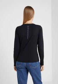 EA7 Emporio Armani - STUD  - Langærmede T-shirts - black - 2