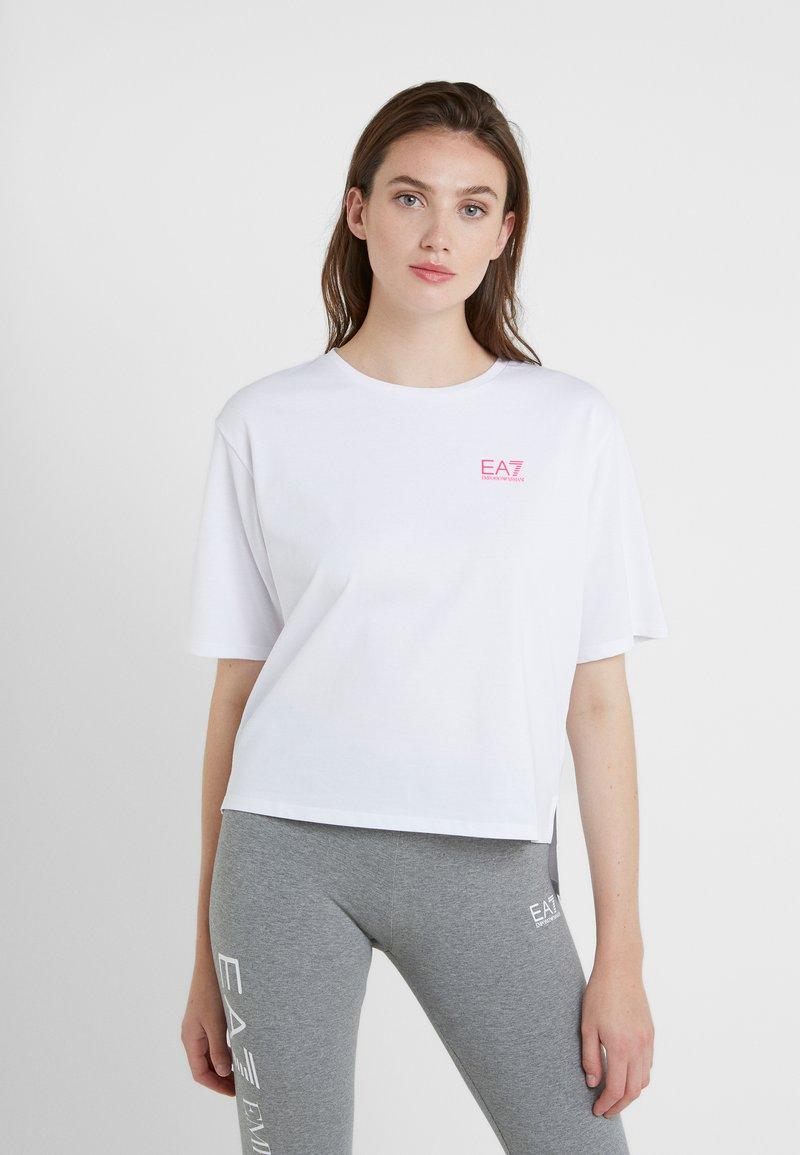 EA7 Emporio Armani - NATURAL VENTUS - T-shirt print - white / neon pink