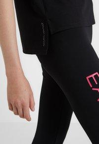 EA7 Emporio Armani - NATURAL VENTUS - T-shirt print - black / neon pink - 6