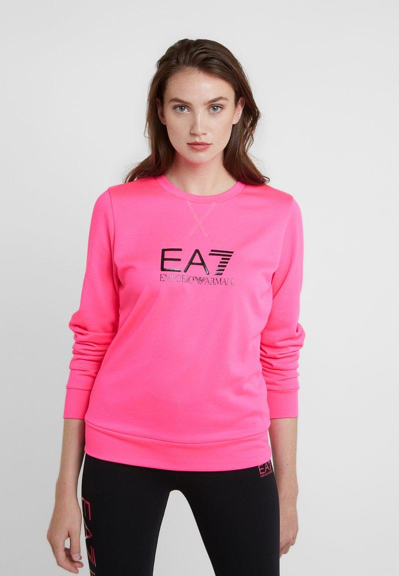 EA7 Emporio Armani - TRAIN LOGO SERIES - Sweatshirt - neon pink / black