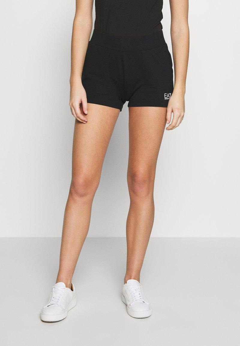 EA7 Emporio Armani - Shorts - black/white